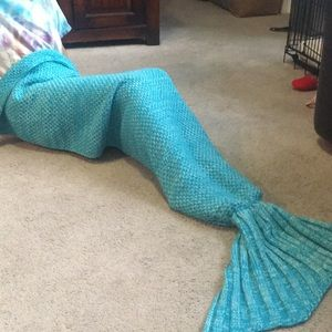 Turquoise crochet mermaid tale blanket